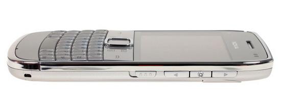 Вид Nokia E6-00 с боку