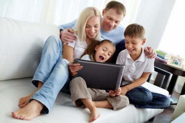 Archos FamilyPad (фото семьи)