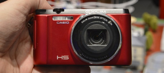 casio-exilim-ex-zr1000-pictures-and-hands-on-0