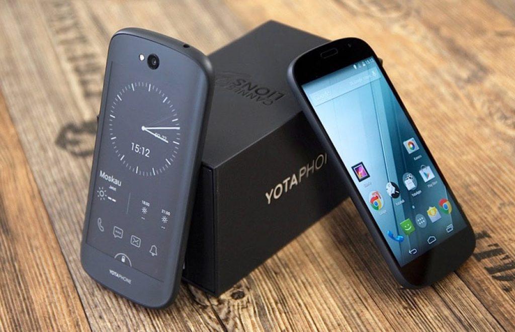 yotaphone-2-min1-1024x660
